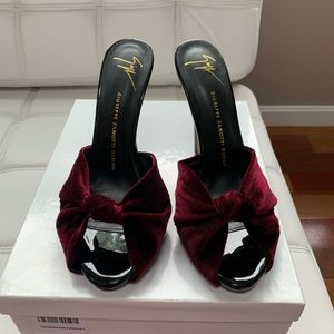 Giuseppe Zanotti  Shoes. Color:Burgundy